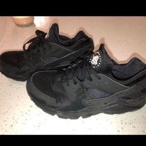 5729c07c510f44 ... Nike Hurraches size 10.5 ...